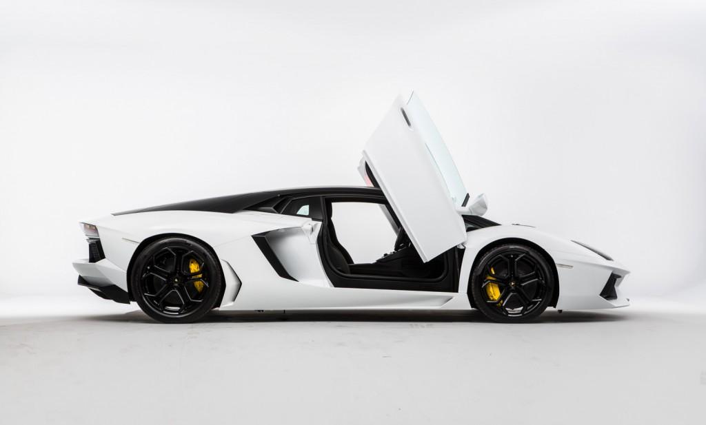 Lamborghini Aventador LP 700-4 For Sale - Exterior 2