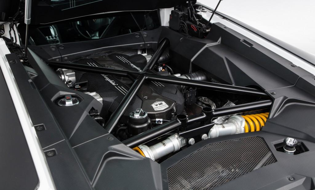 Lamborghini Aventador LP 700-4 For Sale - Engine and Transmission 4