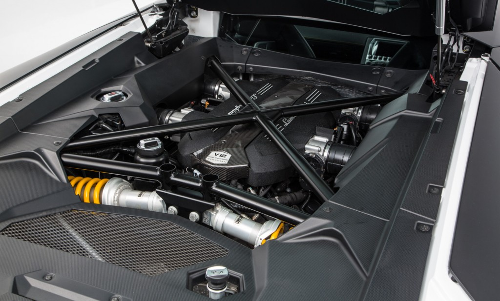 Lamborghini Aventador LP 700-4 For Sale - Engine and Transmission 3
