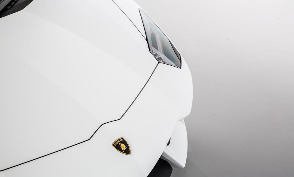 Lamborghini Aventador LP 700-4 For Sale - Exterior 4