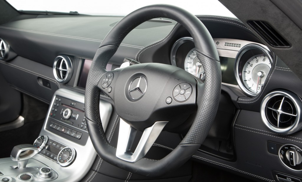 Mercedes SLS AMG Roadster For Sale - Interior 6