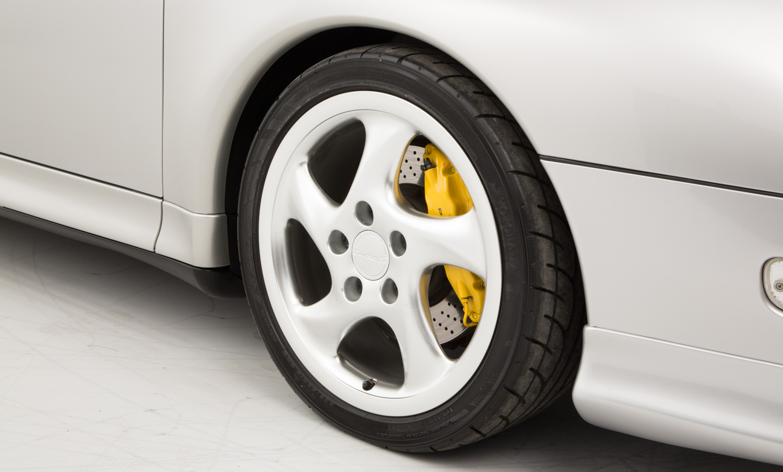 Porsche 911 993 Turbo S | The Octane Collection